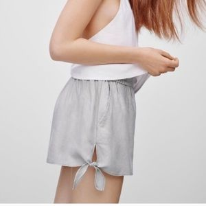 Aritzia - Wilfred High Rise Shorts with Side Tie